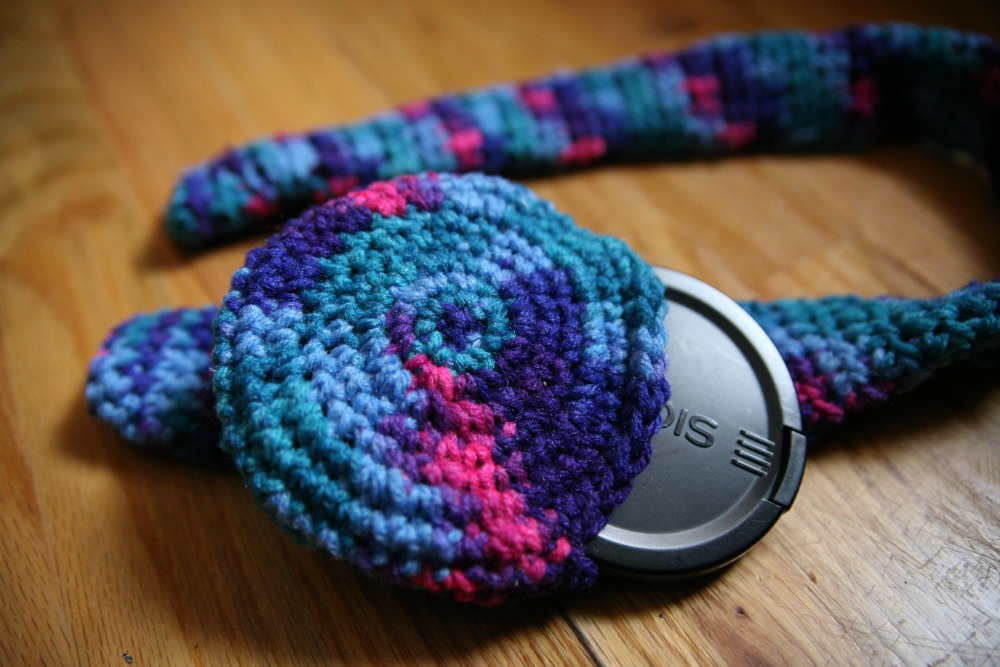 Crochet Camera Strap Cover and Lens Pouch (1/2)