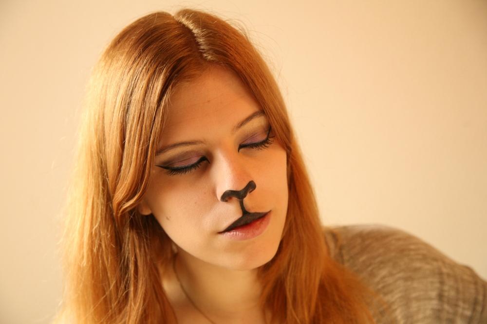 Halloween Cat Makeup tutorial (5/6)