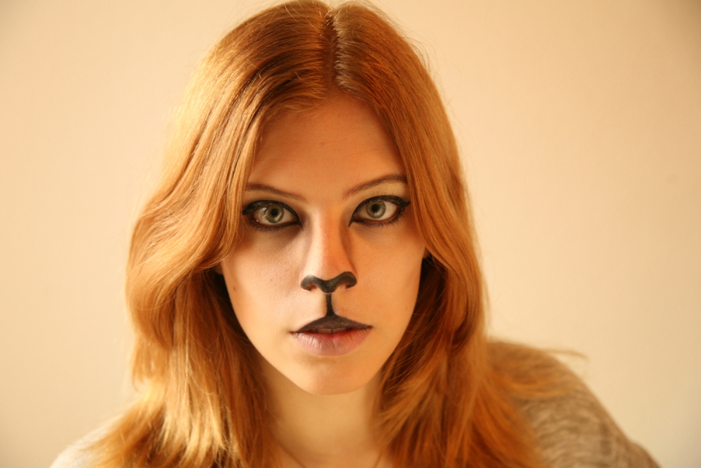Halloween Cat Makeup tutorial (6/6)