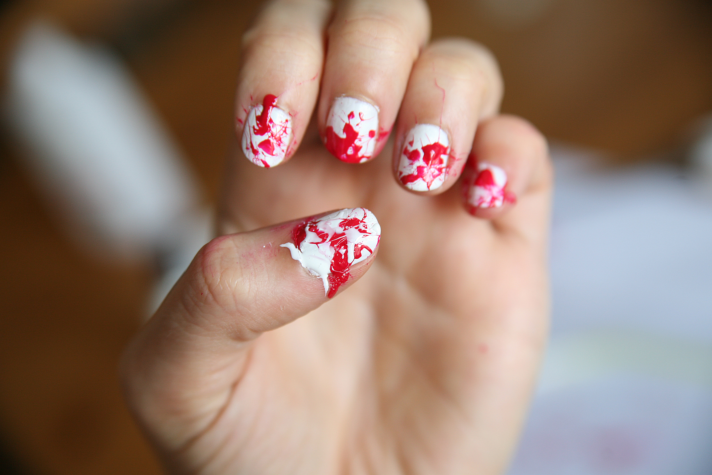 DIY Halloween Blood Splatter Nails | arfotografie